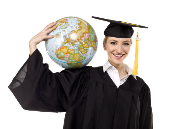 photo4design-com-39155-a-female-graduate-with-globe